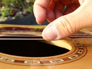 guitar nails the perfect fingernails for playing guitar how to clip. Black Bedroom Furniture Sets. Home Design Ideas