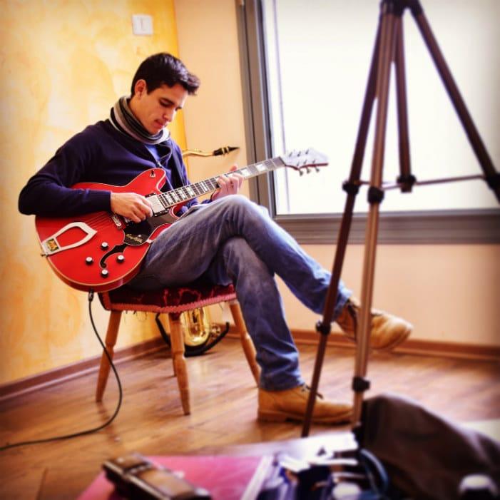 guitar practice machine