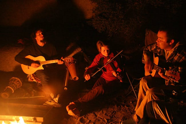 The 13 Best Campfire Songs (Without Being Kitschy...) - GuitarH