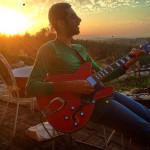 how to teach yourself guitar