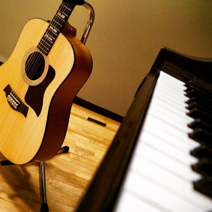 guitarist here are 8 motivators to start playing piano. Black Bedroom Furniture Sets. Home Design Ideas